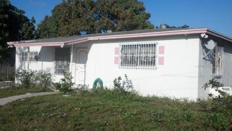 1590 Nw 1st Court Boynton Beach FL 33435
