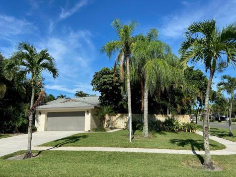 66 Baytree Circle Boynton Beach FL 33436