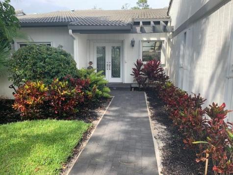 89 Cambridge Lane Boynton Beach FL 33436
