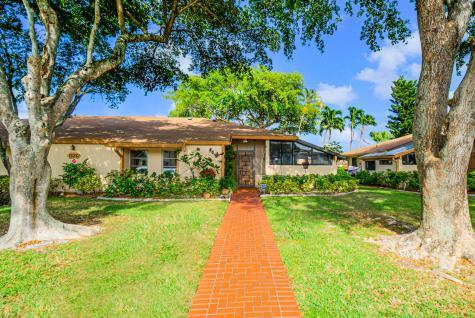 13232 Lucinda Palm Court Delray Beach FL 33484