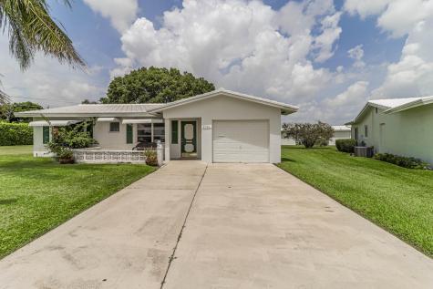 2401 Sw 11th Avenue Boynton Beach FL 33426