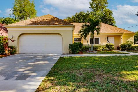 10195 Greentrail Drive Boynton Beach FL 33436