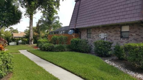 7596 Courtyard Run Boca Raton FL 33433
