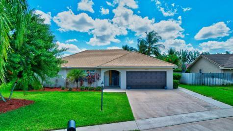 9040 Red Oak Lane Boca Raton FL 33428