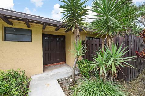 11818 Timbers Way Boca Raton FL 33428