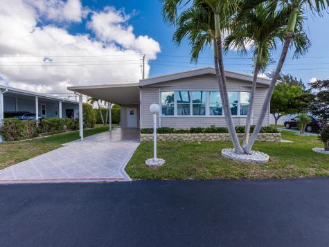 47007 Aquadilla Bay Boynton Beach FL 33436