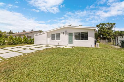 111 Glouchester Street Boca Raton FL 33487