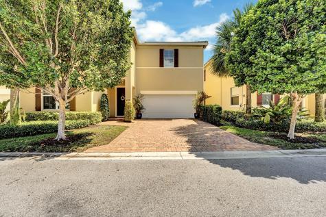 452 Tiffany Oaks Way Boynton Beach FL 33435