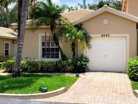 6440 Park Lake Circle Boynton Beach FL 33437