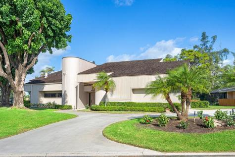 398 Glenbrook Drive Atlantis FL 33462
