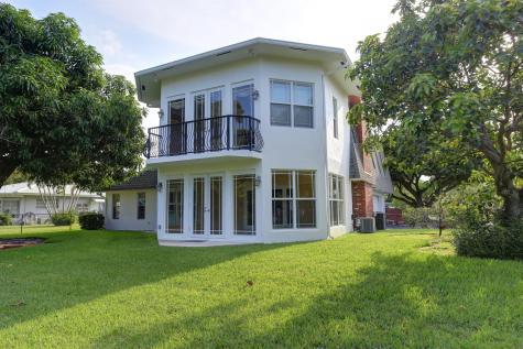 6 Ne Little Harbor Way Deerfield Beach FL 33441