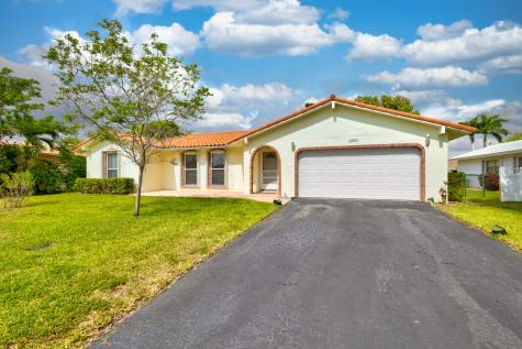1264 Nw 82 Avenue Coral Springs FL 33071