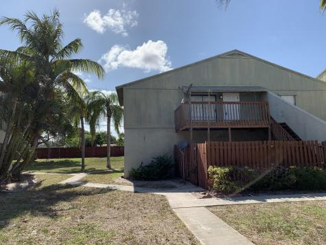 30 Crossings Circle Boynton Beach FL 33435