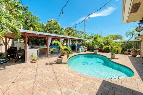 727 Sw 25th Avenue Boynton Beach FL 33435
