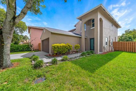 2385 Nw 33rd Terrace Coconut Creek FL 33066