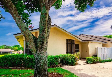 8948 Meadowlark Way Boca Raton FL 33496