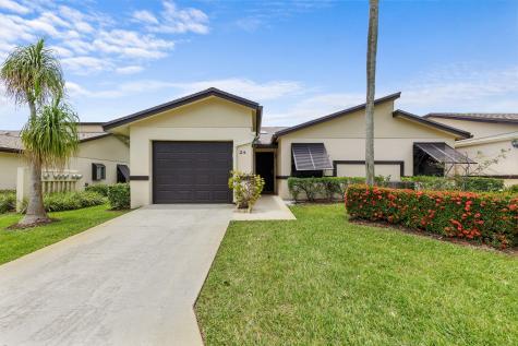 2 Ridge Pointe Drive Boynton Beach FL 33435