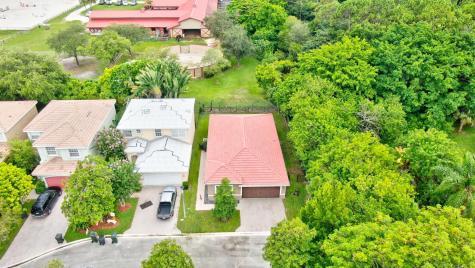 7167 Crescent Creek Lane Coconut Creek FL 33073