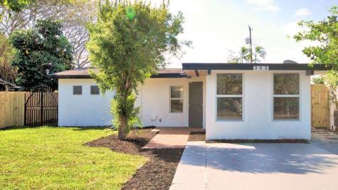 362 Glouchester Street Boca Raton FL 33487