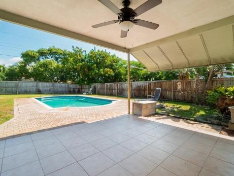 449 Sw 4th Avenue Boynton Beach FL 33435
