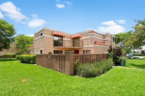 8267 Thames B Boulevard Boca Raton FL 33433