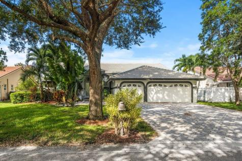 4826 Nw 104 Terrace Coral Springs FL 33076