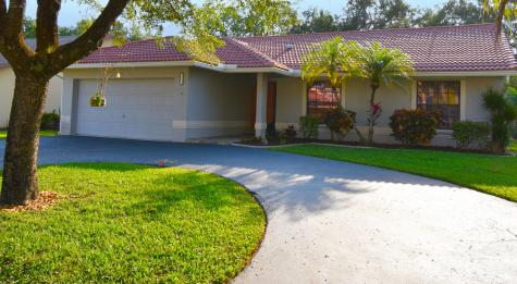 5215 Nw 98th Terrace Coral Springs FL 33076