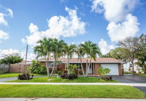 170 Se 11 Street Deerfield Beach FL 33441