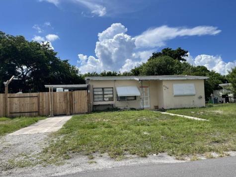 2126 Ne 3rd Street Boynton Beach FL 33435