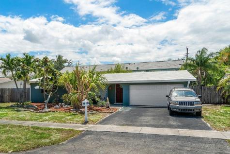 305 Se 3rd Terrace Deerfield Beach FL 33441