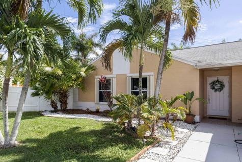 9907 Baywater Drive Boca Raton FL 33496
