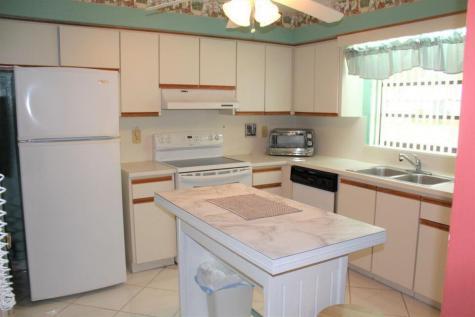 4675 Robinwood Circle Boynton Beach FL 33436