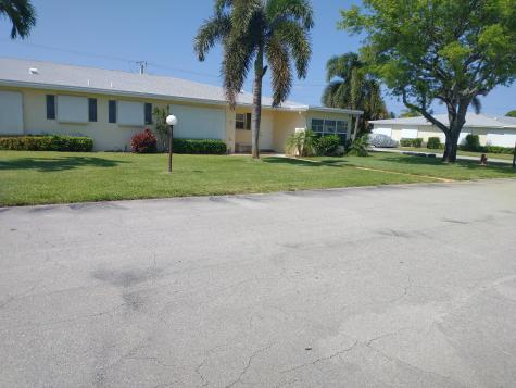 201 Country Lane Boynton Beach FL 33435