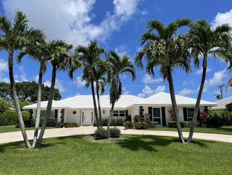 440 N Country Club Drive Atlantis FL 33462