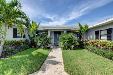 906 Sw 28th Avenue Boynton Beach FL 33435