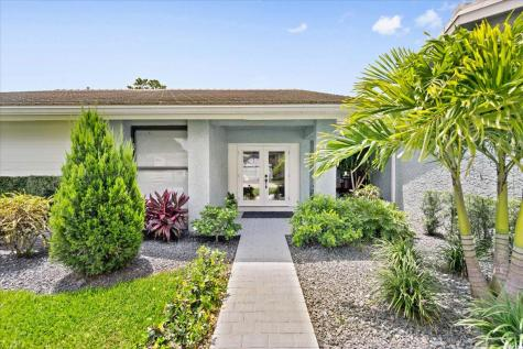 10198 Boca Woods Lane Boca Raton FL 33428