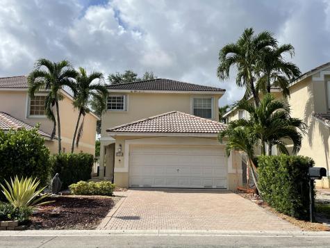 9720 Nw 1 Mnr Manor Coral Springs FL 33071