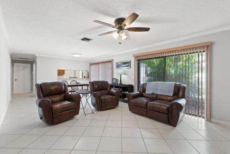 1950 Sw 24th Circle Boynton Beach FL 33426
