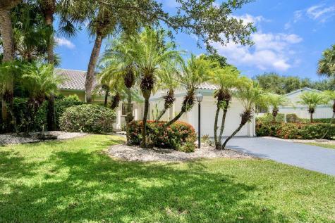 17 Cambridge Drive Boynton Beach FL 33436
