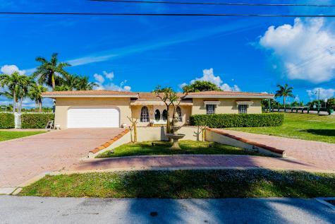 1109 Se 12th Street Deerfield Beach FL 33441