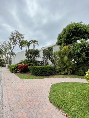 2004 Bridgewood Drive Boca Raton FL 33434