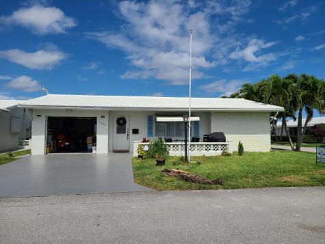 1901 Sw 14th Avenue Boynton Beach FL 33426