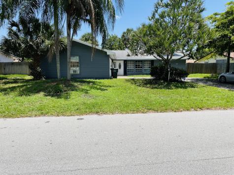707 W Boulevard Chatelaine Boulevard Delray Beach FL 33445