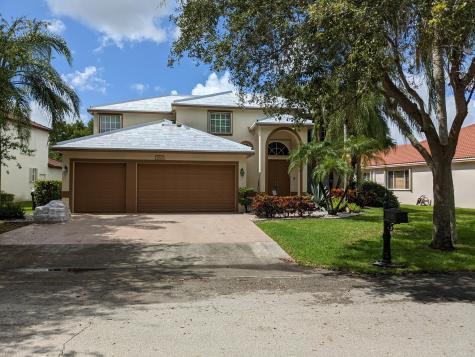 5032 Mallards Place Coconut Creek FL 33073