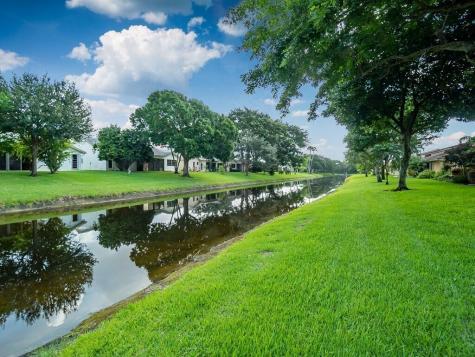 10739 Ladypalm Lane Boca Raton FL 33498