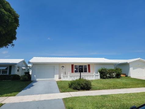 716 Sw 18th Street Boynton Beach FL 33426