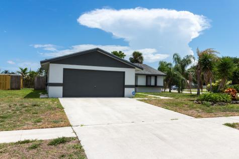 5126 Saint John Avenue Boynton Beach FL 33472