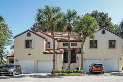 17 Via De Casas Sur Boynton Beach FL 33426