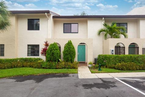 21820 Cypress Circle Boca Raton FL 33433