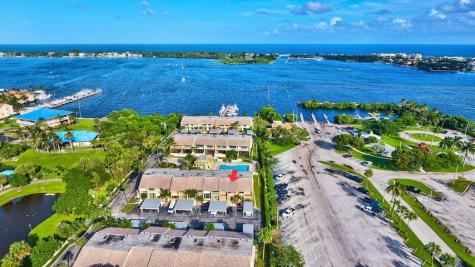 702 Ne 20th Lane Boynton Beach FL 33435